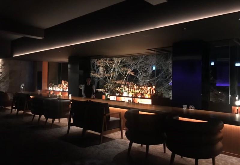Barに泊まるホテル
