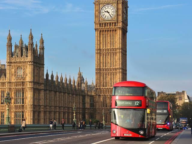 イギリスの交通・移動手段について(地下鉄/バス/ヒースロー空港から市内までの行き方)